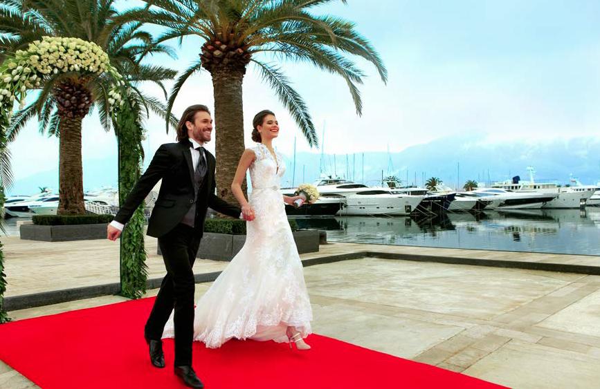 Regent-Hotel-Porto-Montenegro---yacht