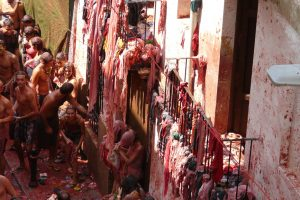 La-Tomatina-Spain---Tourist-Wedding---Copyrights-Pixabay